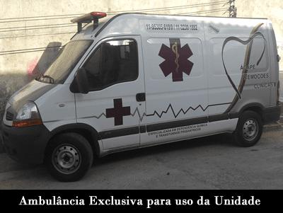 ambulancia exclusiva para uso da unidade Clínica de Recuperação Ágape
