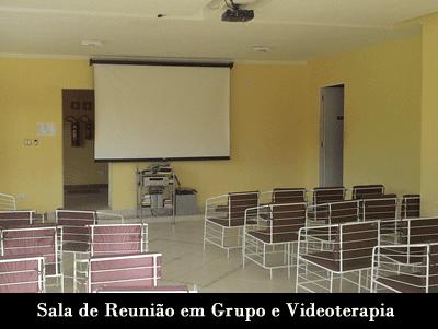 sala de reunicao em grupo e videoterapia Clínica de Recuperação Ágape